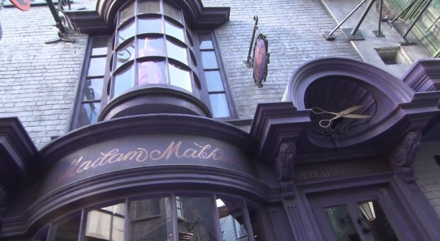 Inside Diagon Alley at Universal 3321