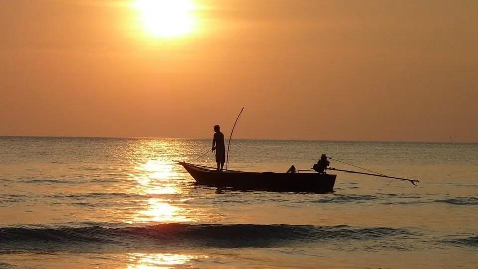 fresh water boat fishing