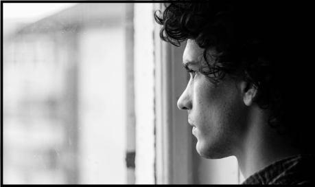 black and white rainy portrait canon 59196 min 2 1024x607 - Cosa fare quando sei chiuso in casa?
