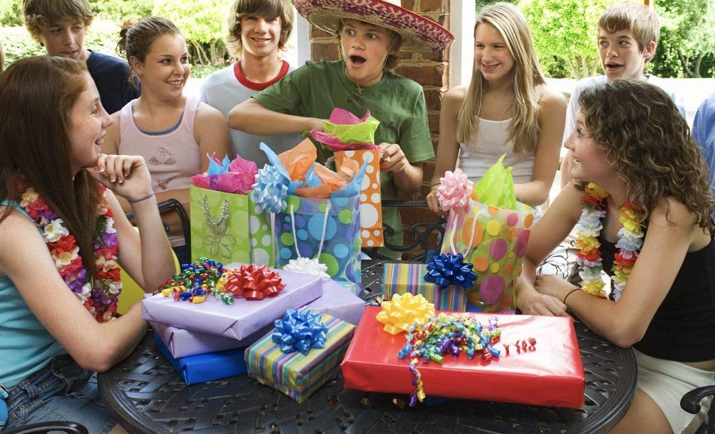 такую как фото на день рождения игры пока расскажу вам