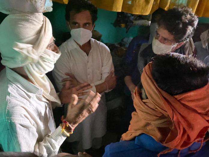 प्रियंका, राहुल गाँधी ने हाथरस का दौरा कर कहा, पीडि़ता का परिवार न्यायिक जांच चाहता है