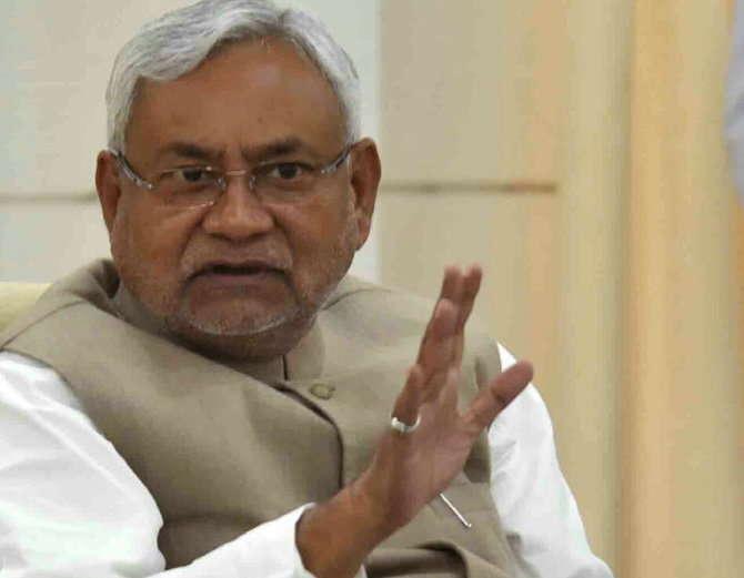 बिहार के मुख्यमंत्री नीतीश कुमार ने सोमवार को आरएसएस प्रमुख मोहन भागवत का बचाव किया।