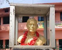 statue of dinkar in simaria ,begusarai