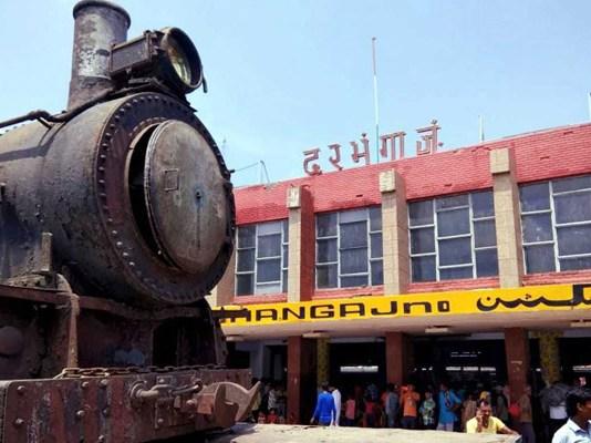 105 year old locomotive installed darbhanga junction