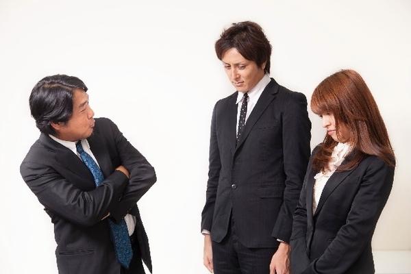 定時後に拘束して説教する会社は危険!早く転職すべき理由を語る!