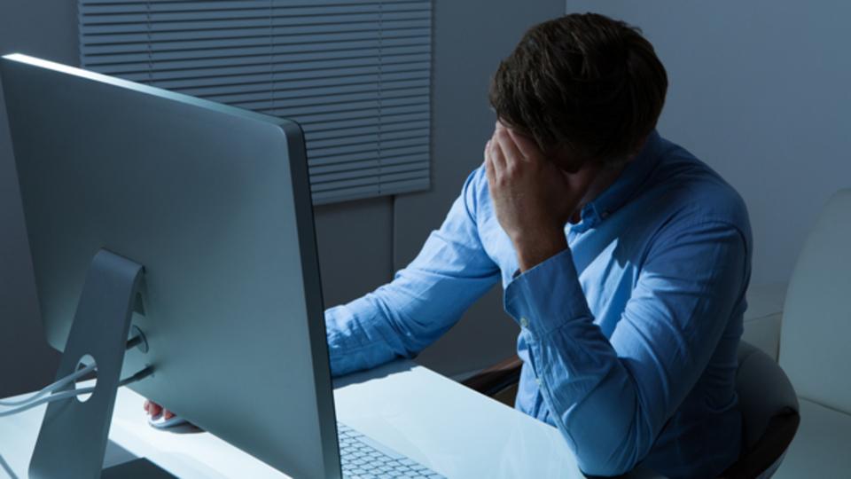 会社や職場に仕事大好き人間が居たら逃げるべき理由を語る!