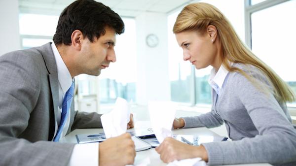 仕事の人間関係が辛い時は辞めて転職するべき理由を語る!
