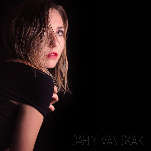 Carly Van Skaik © 2017