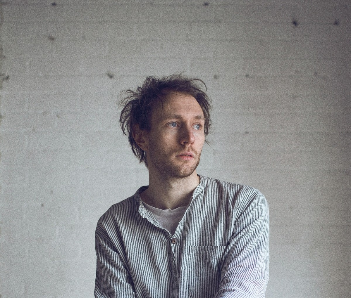 """review: the heartache & beauty of novo amor's intimate """"carry you"""