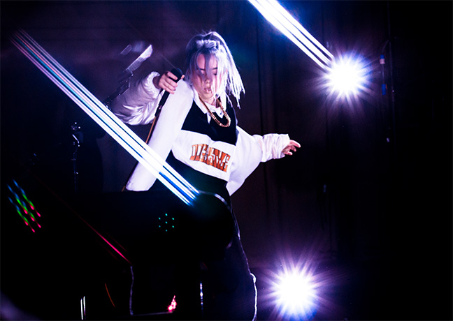 Billie Eilish live © Nicole Almeidaa