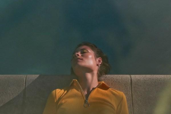 Nina Nesbitt © Wolf James // Sun Will Come Up