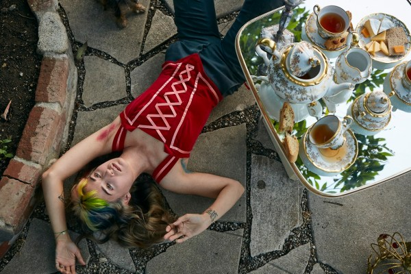 Lauren Ruth Ward © Nicol Biesek
