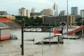 Shoal Creek floods at Lamar and 15th Street on May 25, 2015