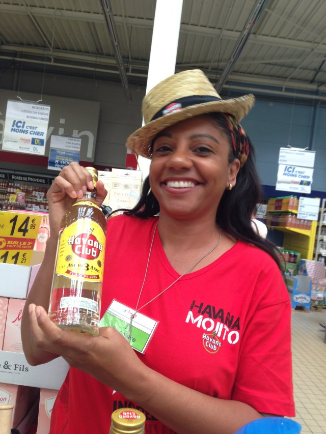Theoule. Geant. Mojito sampling at the hyper marche!
