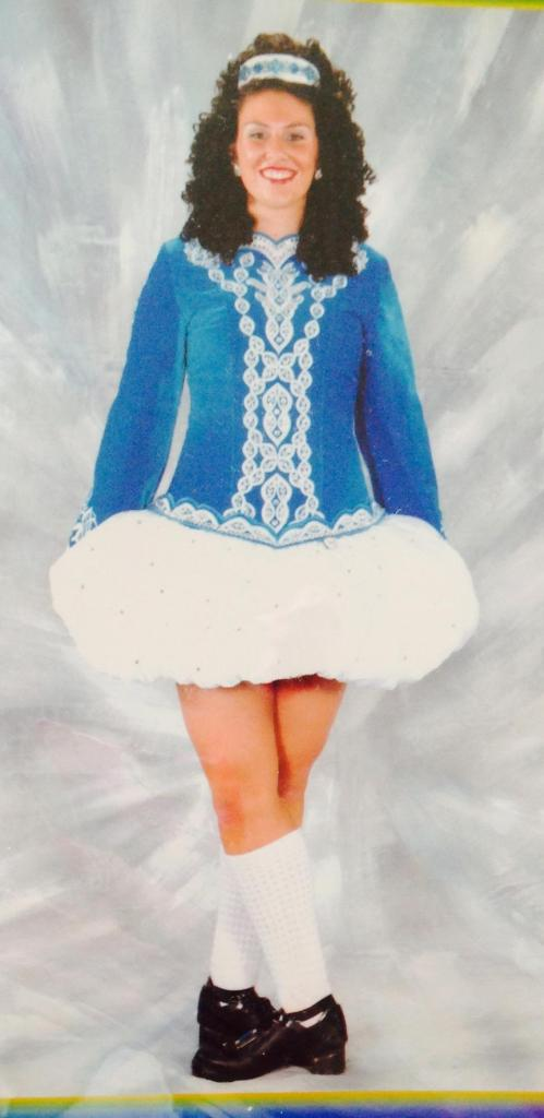 Oona in wig and irish dance outfit