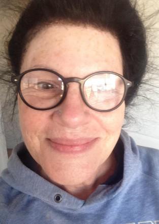 Old Ladies do no makeup