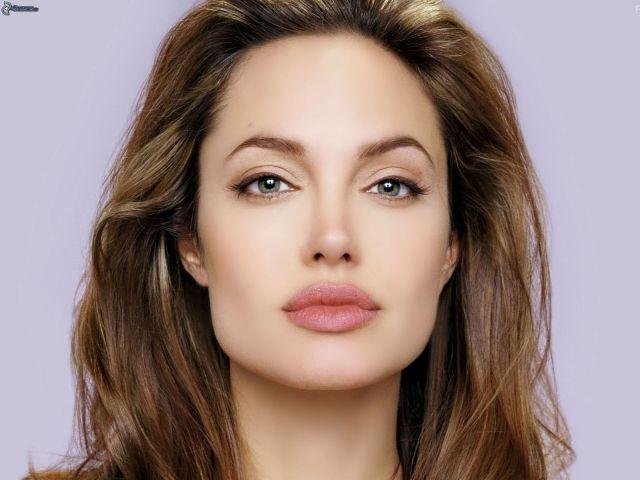 Angelina-Jolie-Makeup