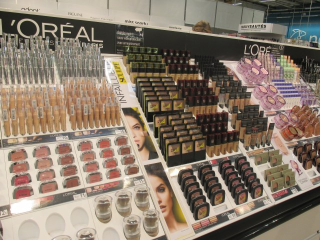 Geant. L'Oreal products. BLOG GOLD
