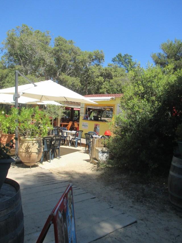 L'Estagnol. Restaurant Chez Richard snack area