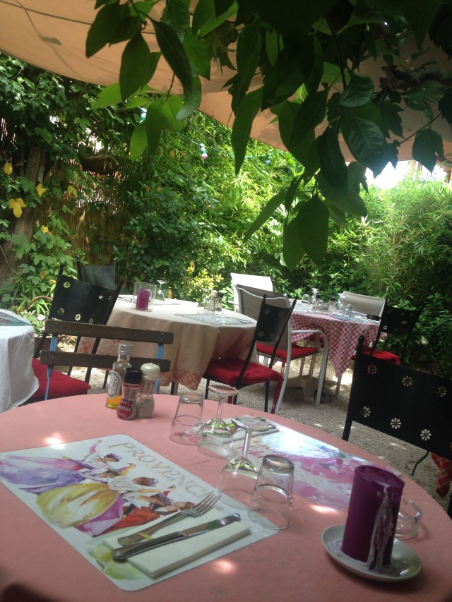 St. Tropez. La Ramade table under the trees.