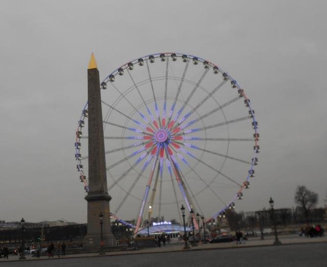 ferris-wheel-by-the-louvre