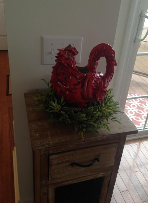little-red-hen-with-a-wreath