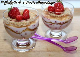 Jogurt mit Erdbeeren