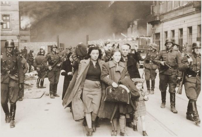 'Fugint de l'Holocaust' explica històries de famílies