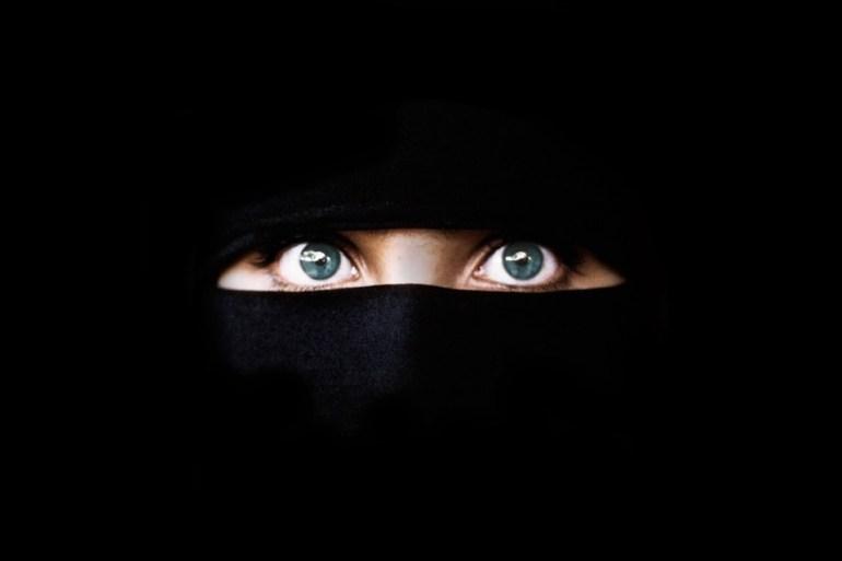 Portada de 'En la pell d'un gihadista', d''Anna Erelle