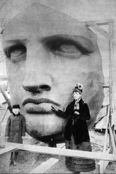 Visage de la statue