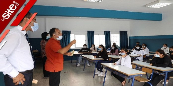 Ambiance de rentrée scolaire dans un lycée de Rabat (VIDEO)