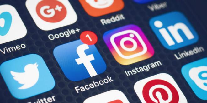 Une ancienne ingénieure chez Facebook flingue le réseau social