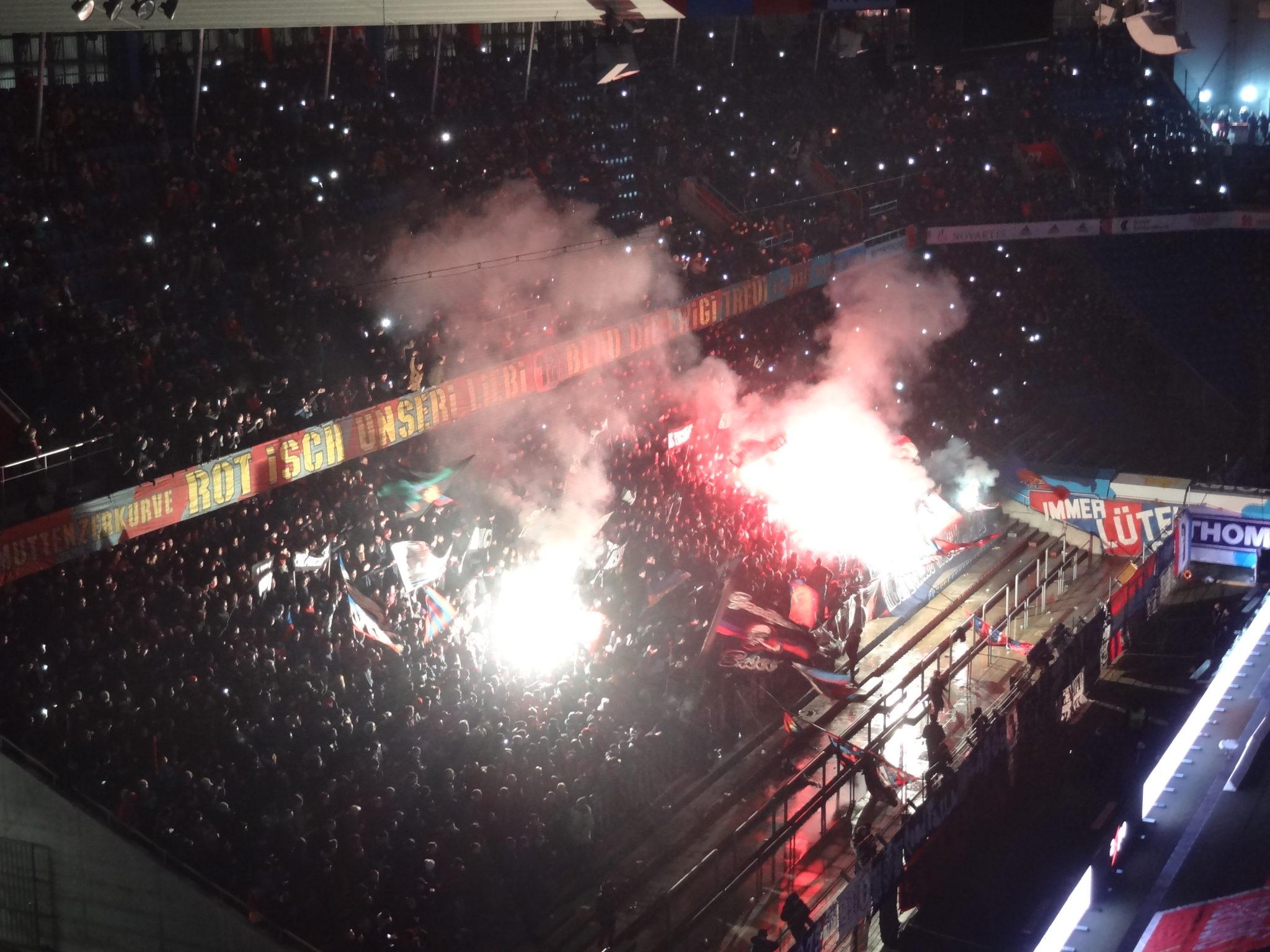 FC Bâle – FC Zurich : viré de tribune puis match annulé post thumbnail image