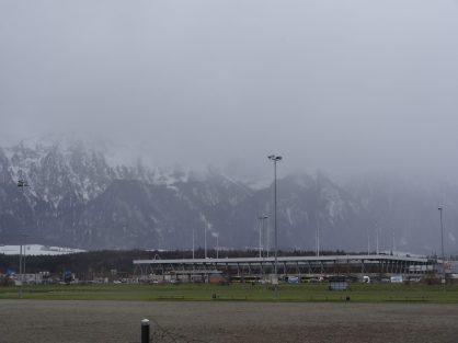 vue sur le stade de thoune et les montagnes