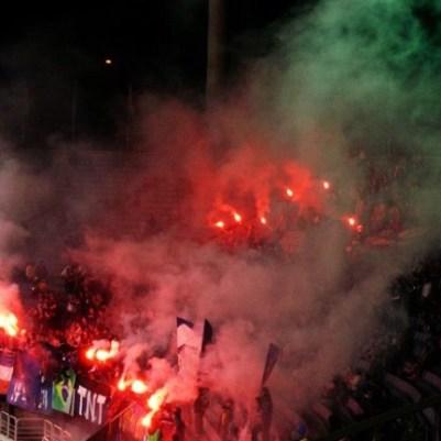 Scène de pyro dans l'ancien stade