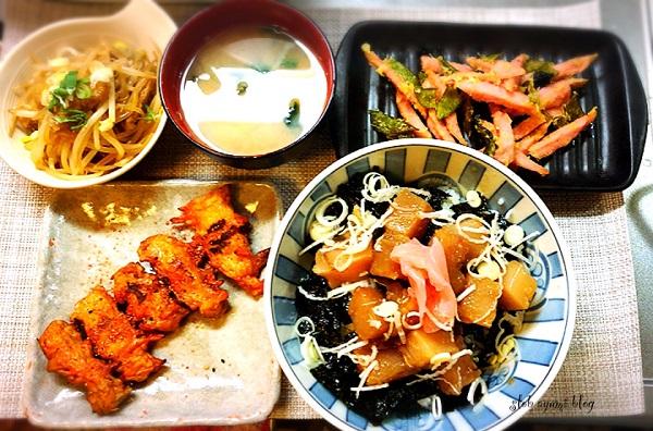 韓国風☆マグロのガーリック漬け丼と付け合せおかずの献立レシピ