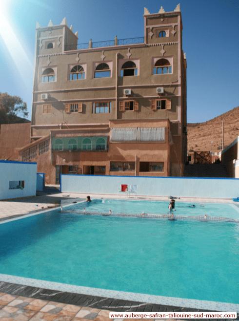 Auberge safrane de Taliouine avec un piscine pour adultes et pour enfants