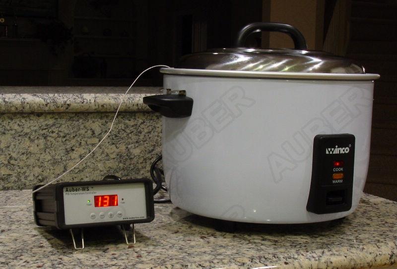 Controlador externo Auber WS-1500ES conectado a un cocedor de arroz