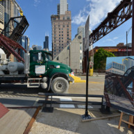 Kinzie-strett-Bridge-Chicago-painting-by-Michelle-Auboiron-10 thumbnail