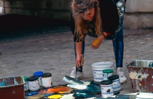 Michelle-Auboiron-peint-in-situ-les-Ponts-de-Paris-Photo-Anne-Sarter-8