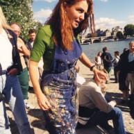 Vernissage-Exposition-Les-Ponts-de-Paris-peintures-de-Michelle-Auboiron-avec-la-galerie-Verneuil-Saints-Peres-Paris-quai-du-Louvre-2 thumbnail