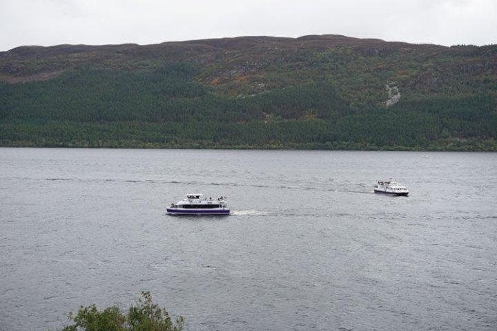 loch-ness-Ecosse-paysage-bateau