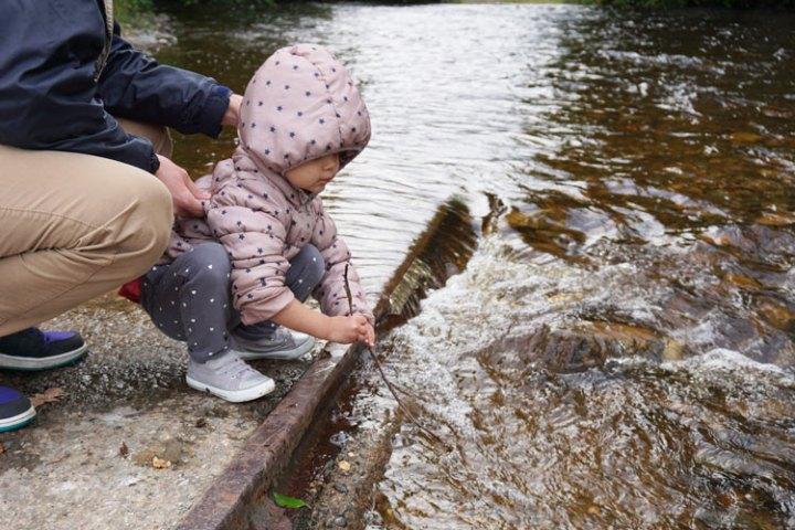 rivière-Enrick-enfant-Ecosse