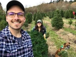u-cut tree, seattle you cut christmas tree, you cut christmas tree, u-cut tree, you cut tree, holiday tree, christmas tree, selfie with tree, seattle selfie