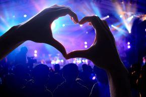 hand heart, music, concert