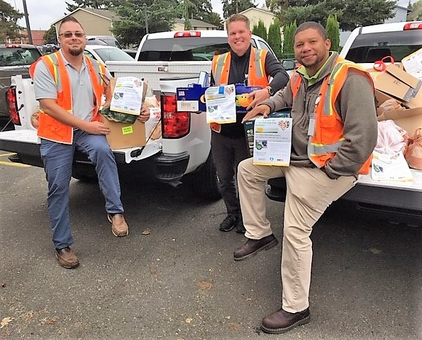 auburn food bank, waste management, auburn wa, mayor backus, food drive