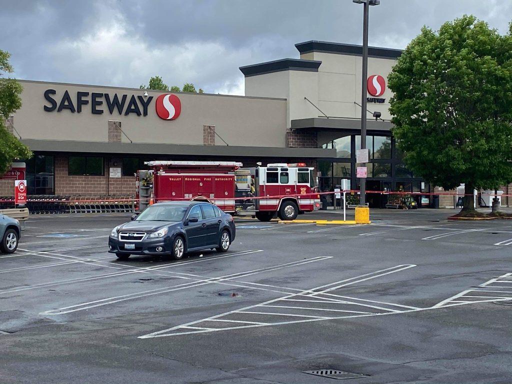 Safeway, auburn safeway, auburn wa safeway, Auburn way s safeway, 101 auburn way s, safeway roof collapse, auburn safeway