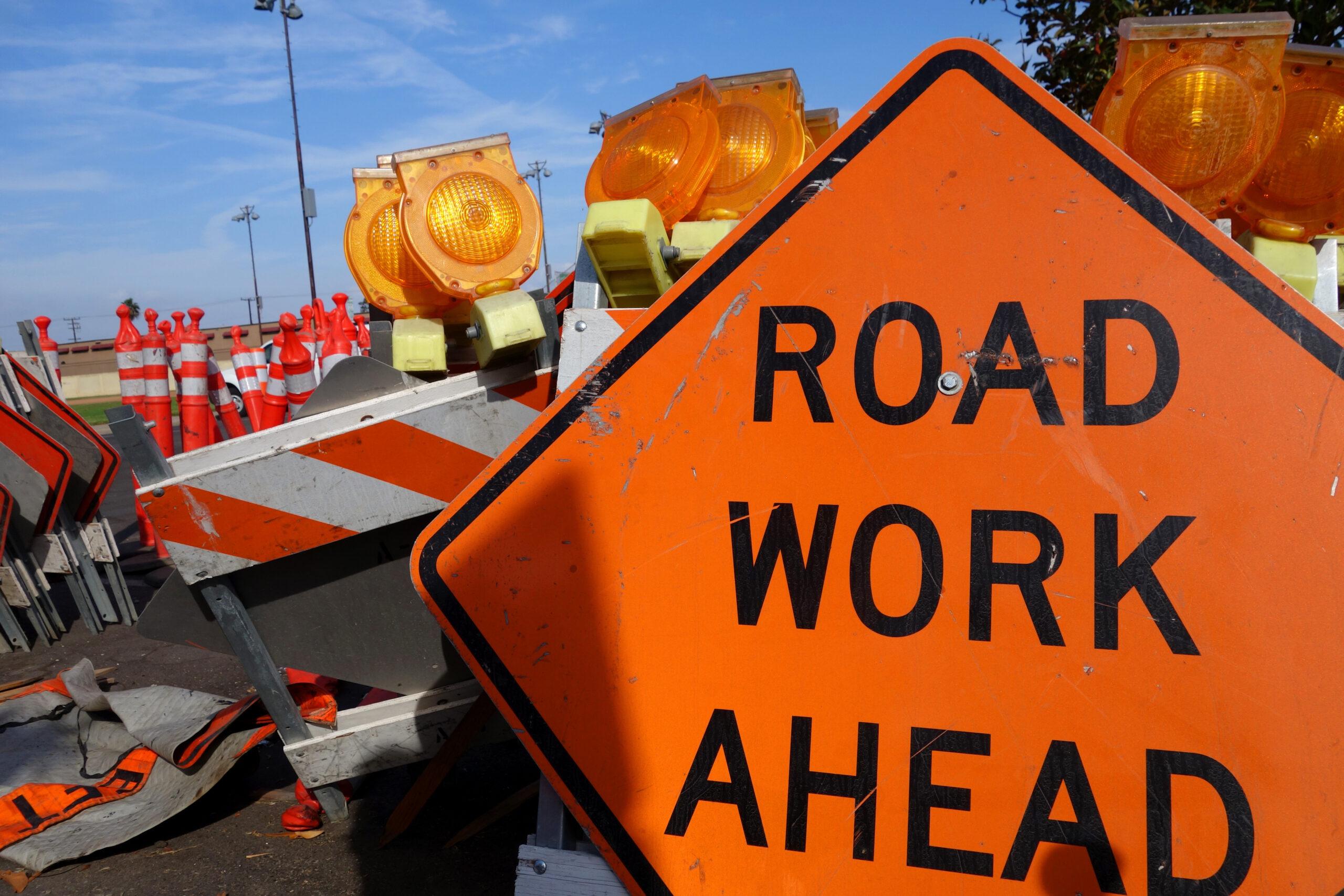 road closed, auburn, traffic alert, traffic sign on road, road work in auburn, traffic auburn wa