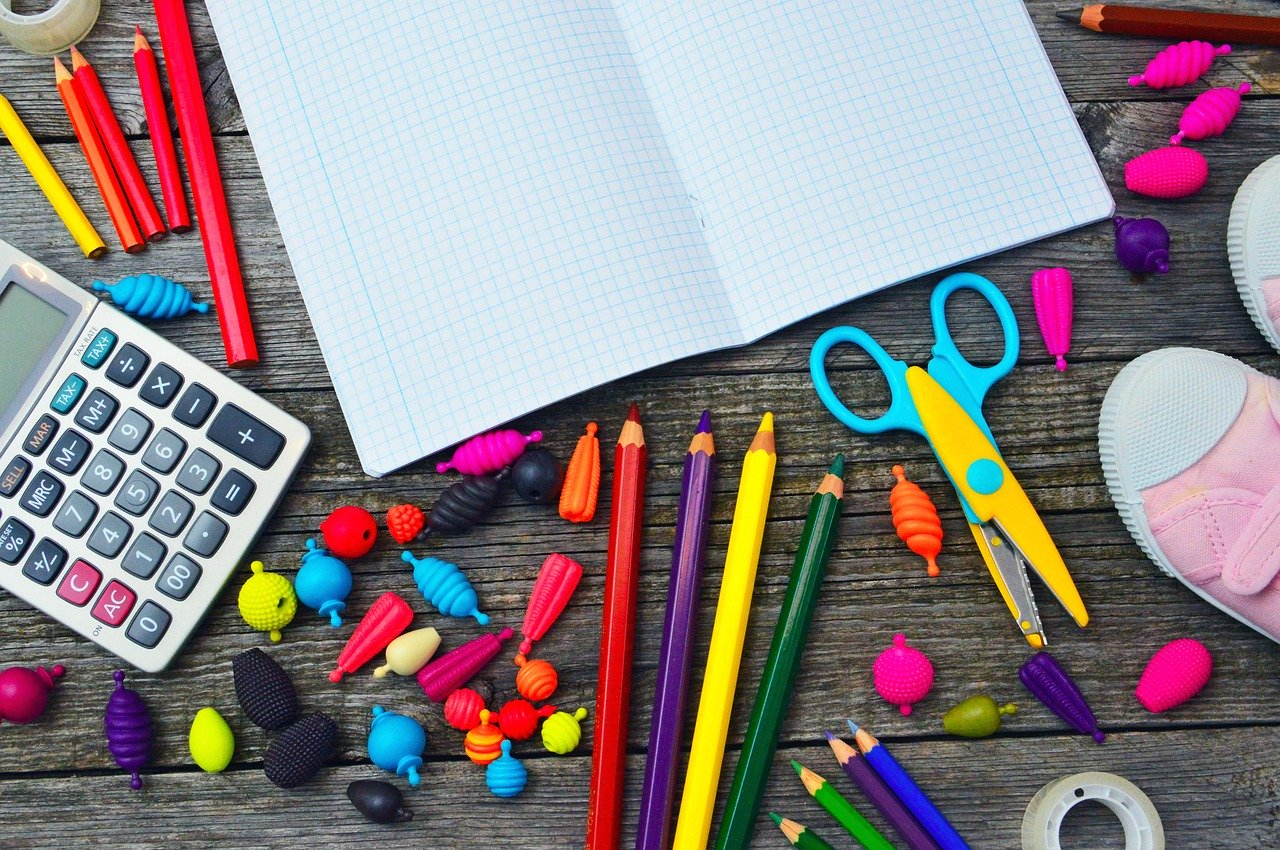 School supplies, apsf school supply drive, school supply drive, auburn schools, auburn school district, school supplies for students, auburn public school Foundation school supply drive