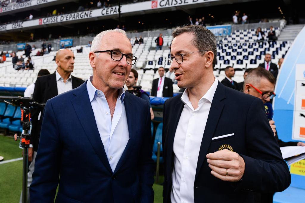 Marseille : le propriétaire américain Franck Mc Court, en discussion avec le président délégué Jacques-Henri Eyraud,  souhaite réduire le train de vie dépensier de l'OM